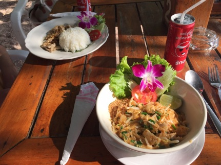 Pad thaï chiken pour moi et chicken pepper pour Nico