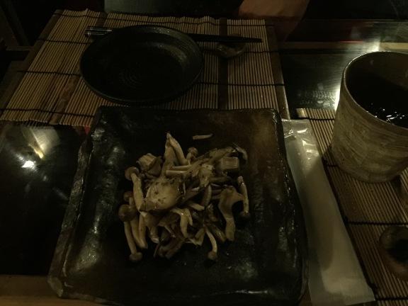 Champignon de leur jardin sauté au yuzu